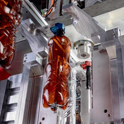 Röders Formenbau Flaschen in der Maschine